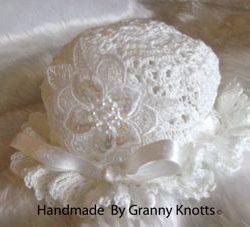 easy crochet baby hat - Flower Applique Hat