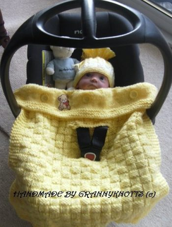 Crochet baby car seat cover - Basket weave design - Chunky Knit